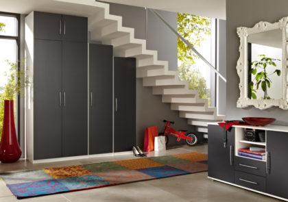 Appartementzimmer von Priess – Modell Varia – in Lack anthrazit-weiss