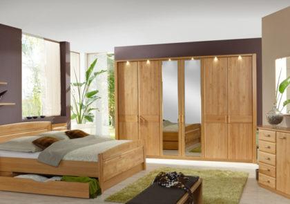 Schlafzimmer von Wiemann – Modell Lausanne – in Erle teilmassiv
