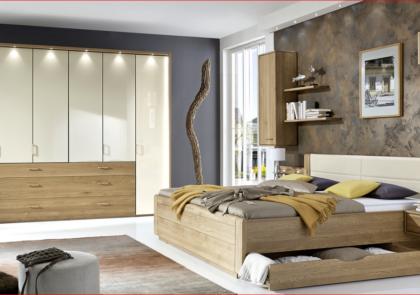 Schlafzimmer von Wiemann-Modell Lido-in Eiche teilmassiv