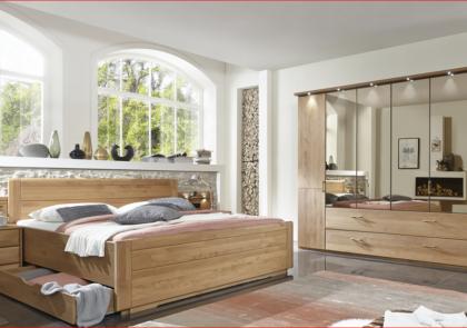 Schlafzimmer von Wiemann-Modell Lido-in Erle teilmassiv
