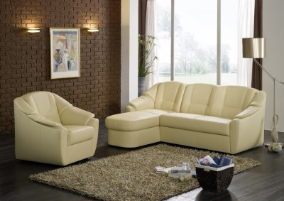 Sofa von Posa – Modell Phantasia – in creme