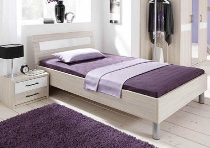 Bett von Priess – Modell Riva – in Akazie