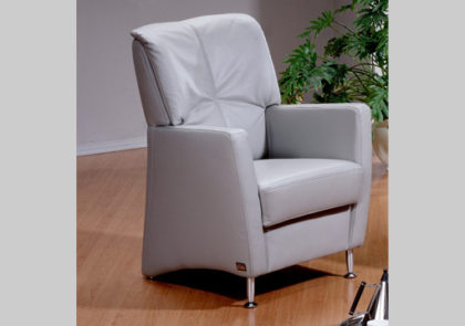 Sessel von Oelsa – Modell Viola – in Leder grau