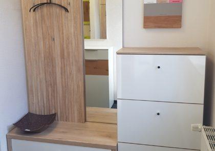 Garderobe von Prenneis – Modell München Plus – in Sandeiche / Hochglanz weiß