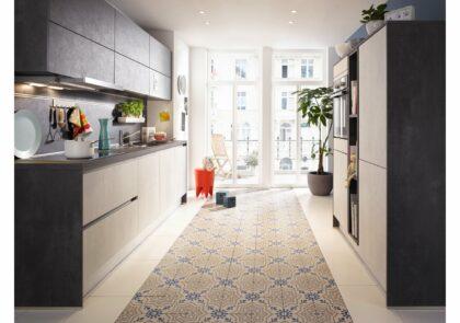 Flotter Zweiteiler – die Küche Global 51.180 mit Fronten in Beton Weißgrau und Anthrazit Nachbildung