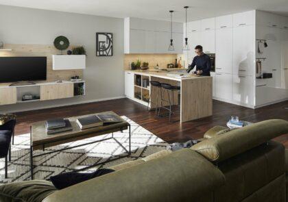 Freistehende Küche Global 54.140 inkl. Wohnzimmersideboard und Garderobennische