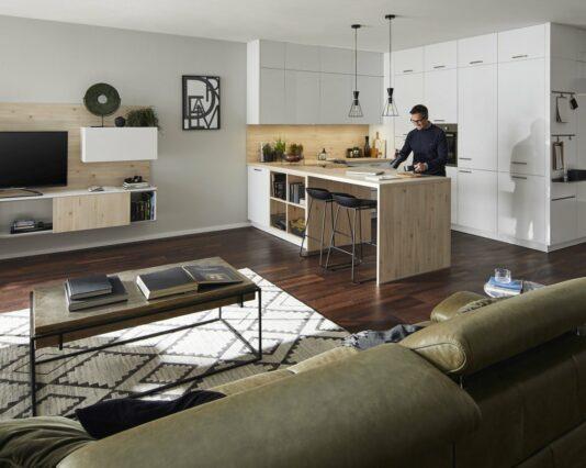 Freistehende Kueche Global 54 140 inkl Wohnzimmersideboard und Garderobennische Möbelhaus Dresden - Möbel Röthing