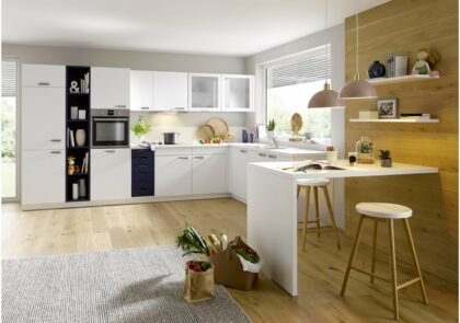 Küche Global 51.190 in L-Form in Kristallweiß und Aquablau