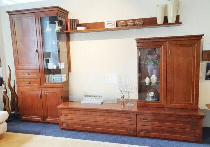 Wohnwand von Wehrsdorfer – Modell Kent – in Ahorn Cognac antik Furnier